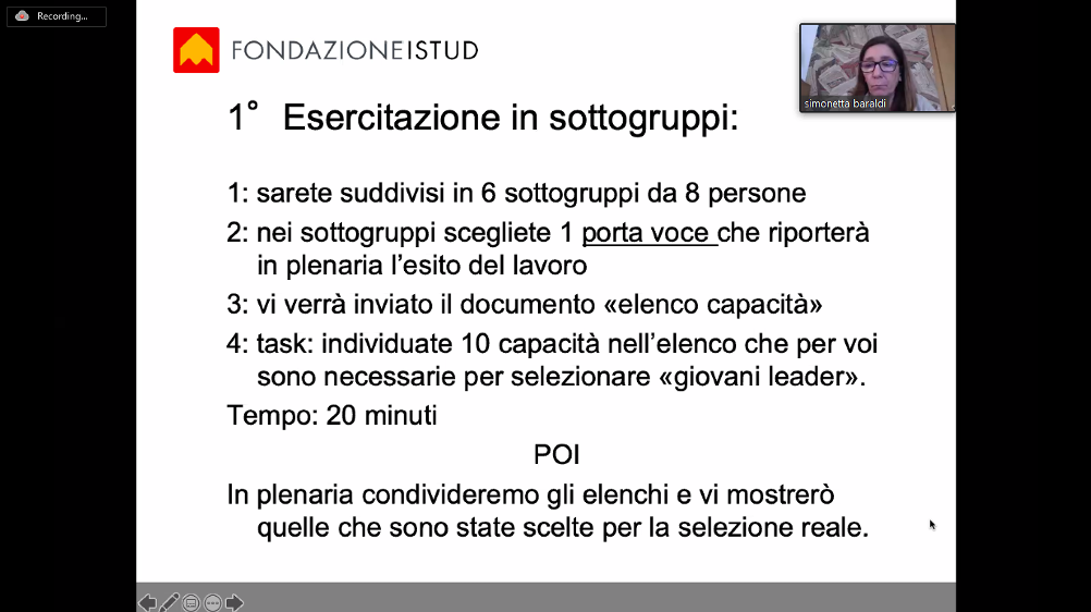 Simonetta Baraldi, docente ISTUD, eroga una lezione online spiegando l'esercitazione agli alunni